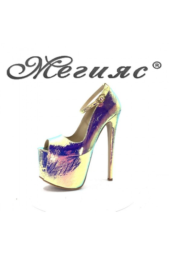 975 Women elegant shoes silver lak with high heel