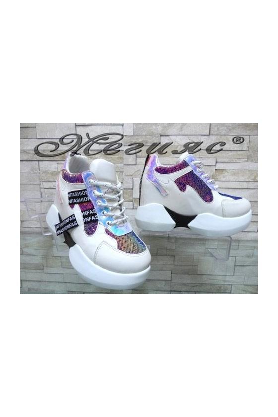 80 Дамски спортни обувки бели от еко кожа