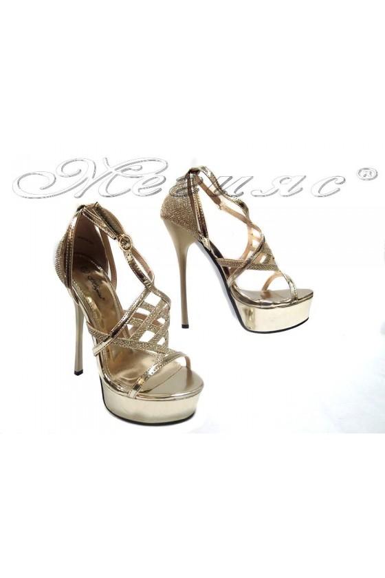 Дамски сандали WEN 114-432 златни