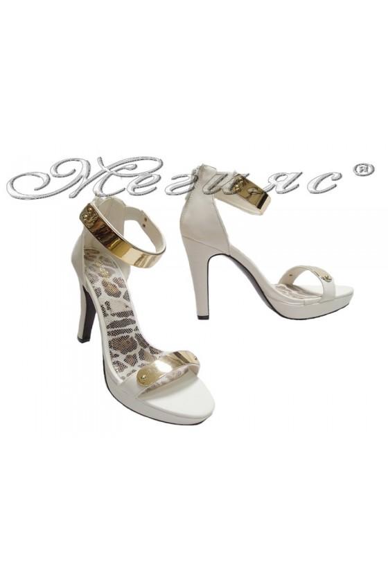 Дамски сандали WENSY 155059 бели
