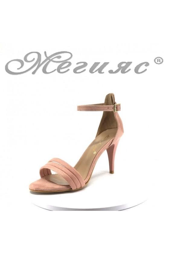 Дамски сандали 392 пудра велур елегантни на среден ток
