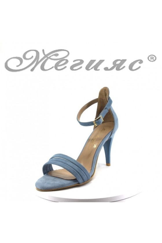 Дамски сандали 392 светло сини велур елегантни на среден ток
