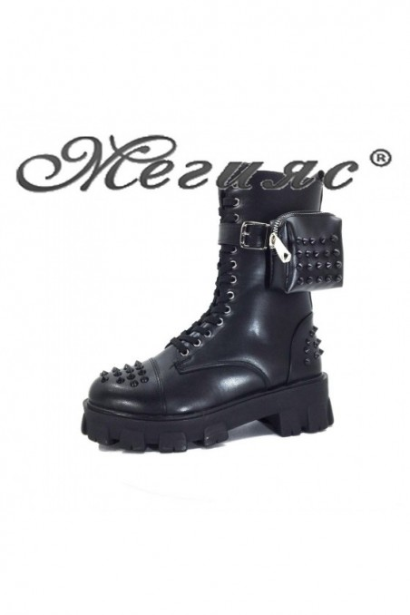 115 Women boots black pu