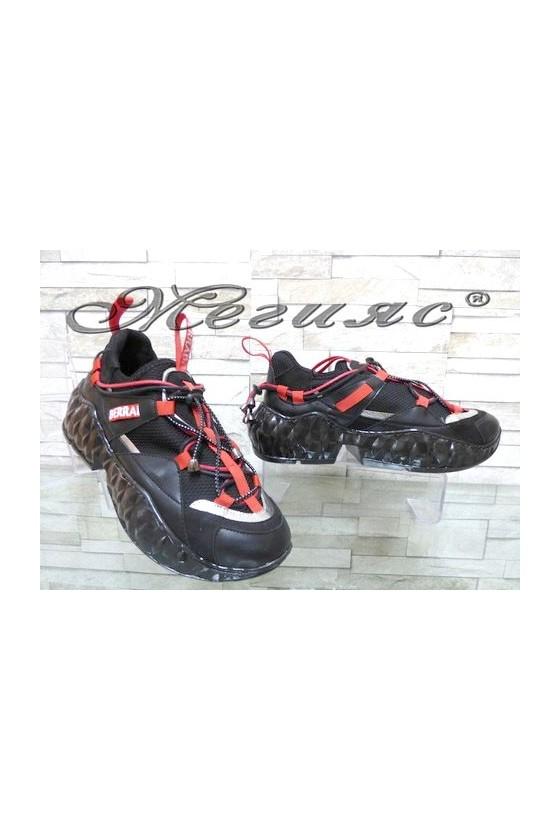 395 Дамски спортни обувки от текстил и еко кожа
