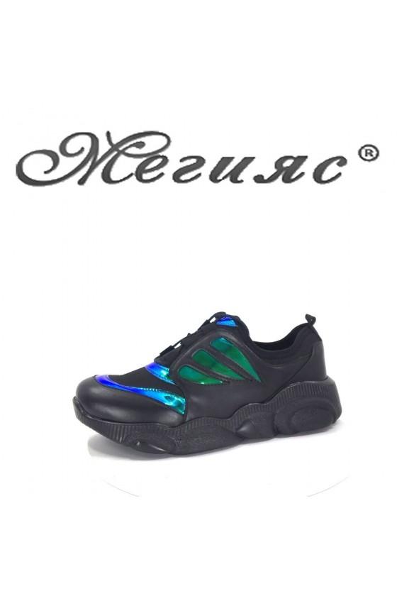 035 Дамски спортни обувки черни