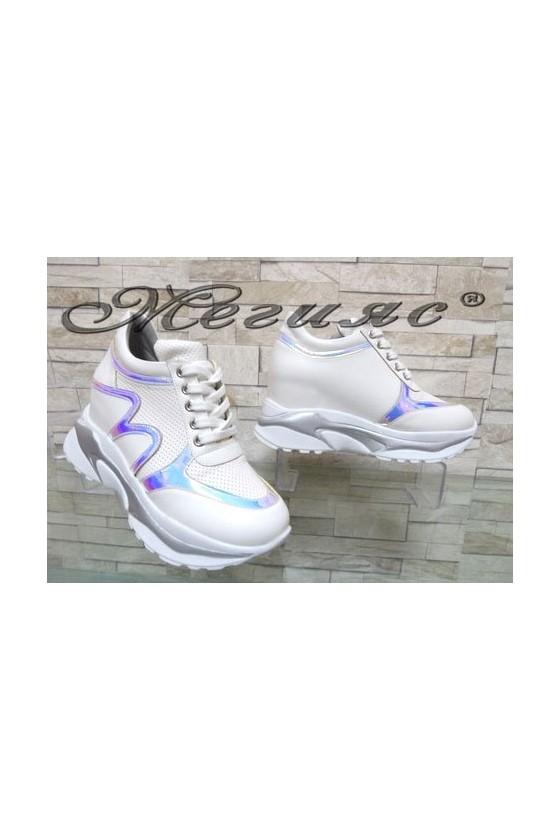 833-7 Дамски спортни обувки с вътрешна платформа