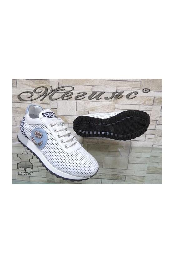 67-1 Дамски спортни обувки бяло и синьо от естествена кожа