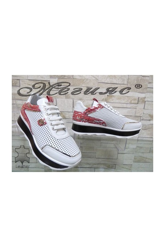 72-1 Дамски спортни обувки от естествена кожа