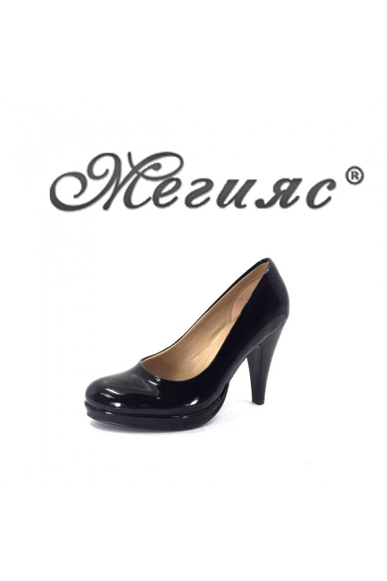Дамски обувки черен лак заоблени елегантни висок ток 520