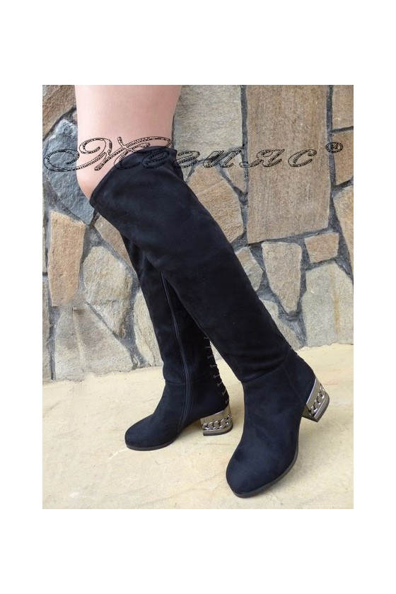 Дамски чизми от велур със среден ток черни