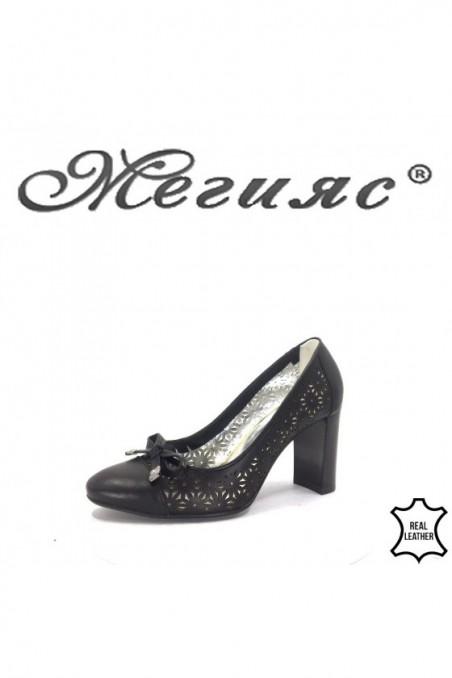 2013-01 Women shoes black leather