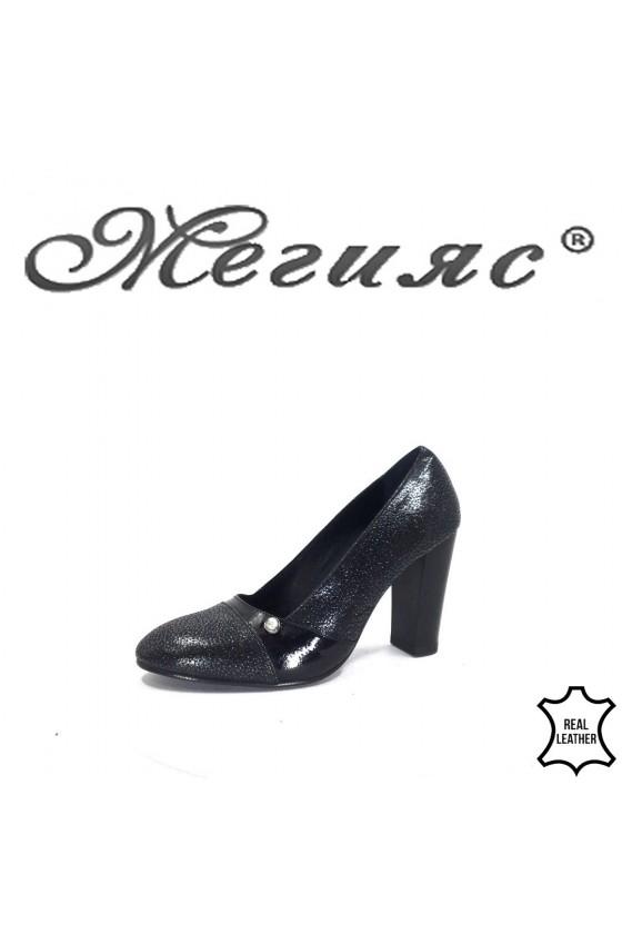 62-10-5 Дамски обувки черна кожа на широк ток