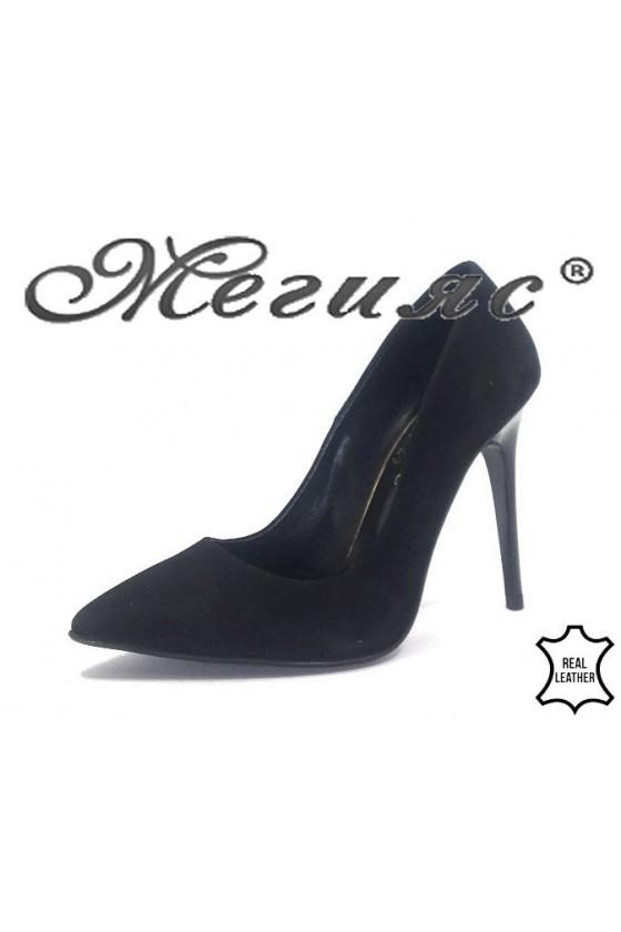 178-43 Дамски обувки черен велур елегантни остри на тънък ток