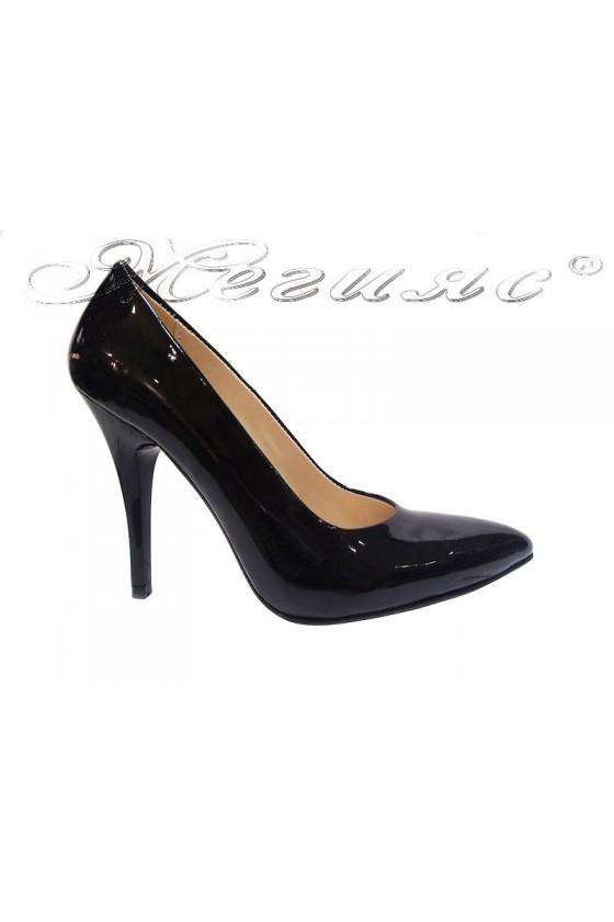 Дамски обувки XXL  гигант  черни лак елегантни остри висок ток 162