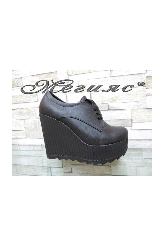 Дамски обувки на платформа черни 710-10