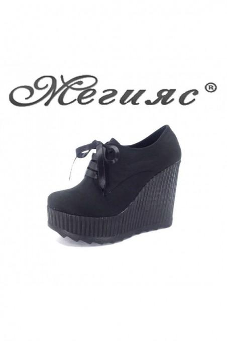 710-10 Дамски изчистени обувки черен велур на висока платформа