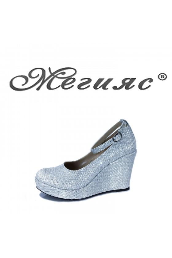 0215 Дамски обувки сребърни от текстил елегантни заоблени на платформа