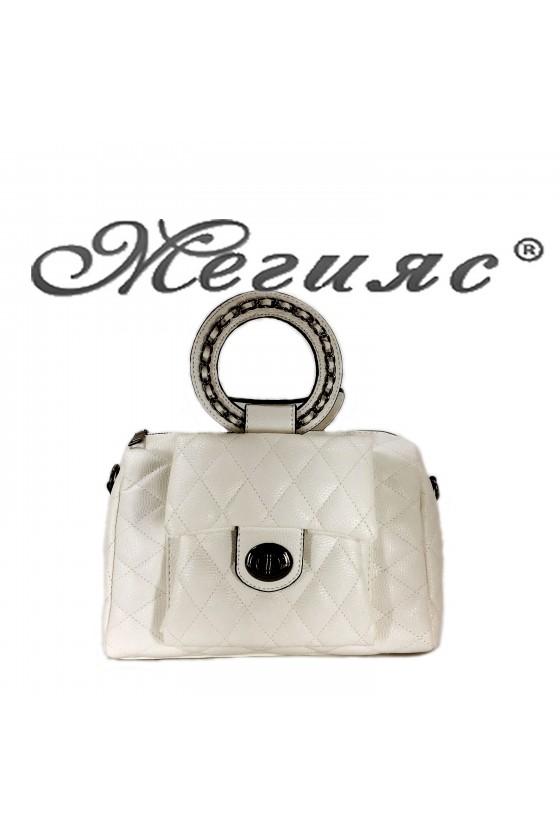 279 Дамска чанта бяла от еко кожа