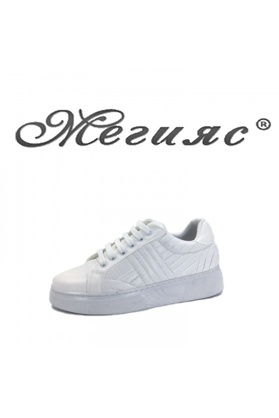 Дамски спортни обувки бели еко кожа 3137