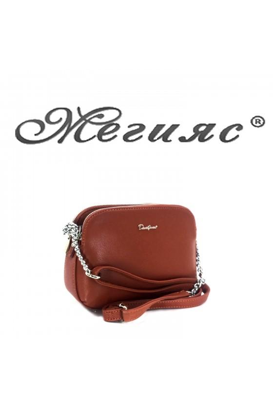 6508 Малка дамска чанта кафява от еко кожа