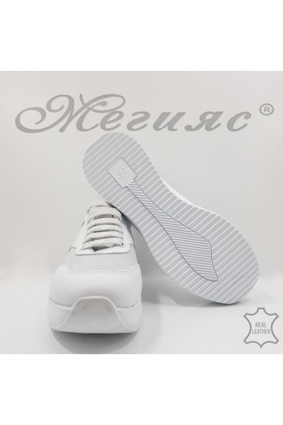 Дамски обувки спортни естествена кожа бели  със сребро 8003