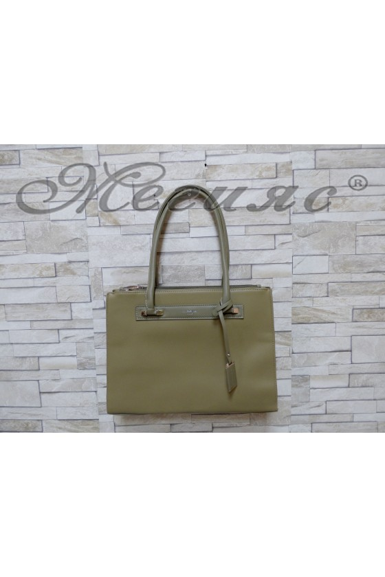Дамска чанта спортно-елегантна тъмно зелена еко кожа