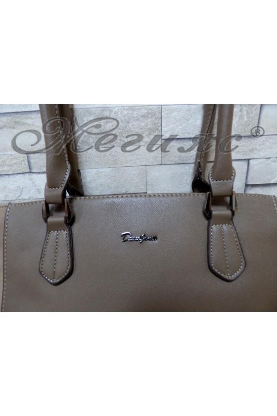 5391 Дамска чанта спортно-елегантна тъмно бежова еко кожа