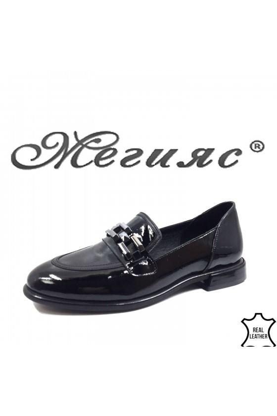 1932 lady shoes black patent