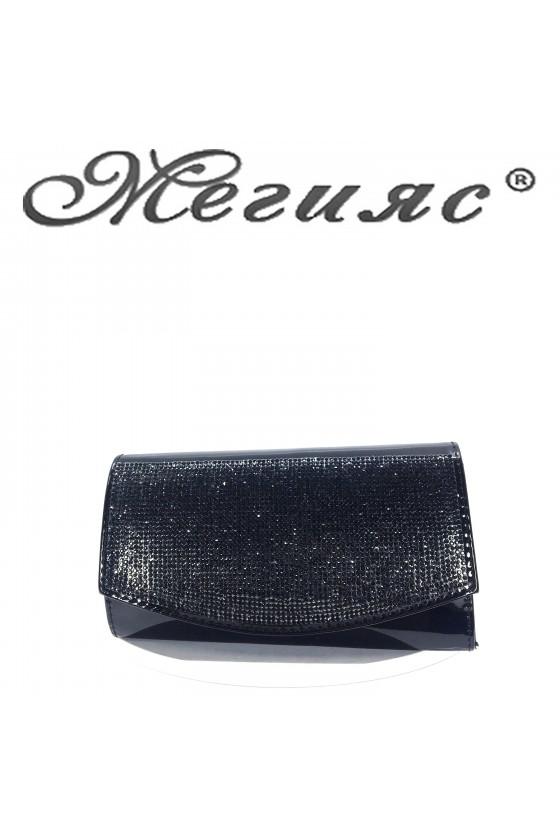 Дамска чанта елегантна черен лак с камъни