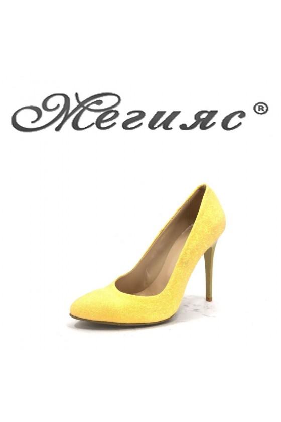 162-19 Дамски обувки жълт брокат елегантни