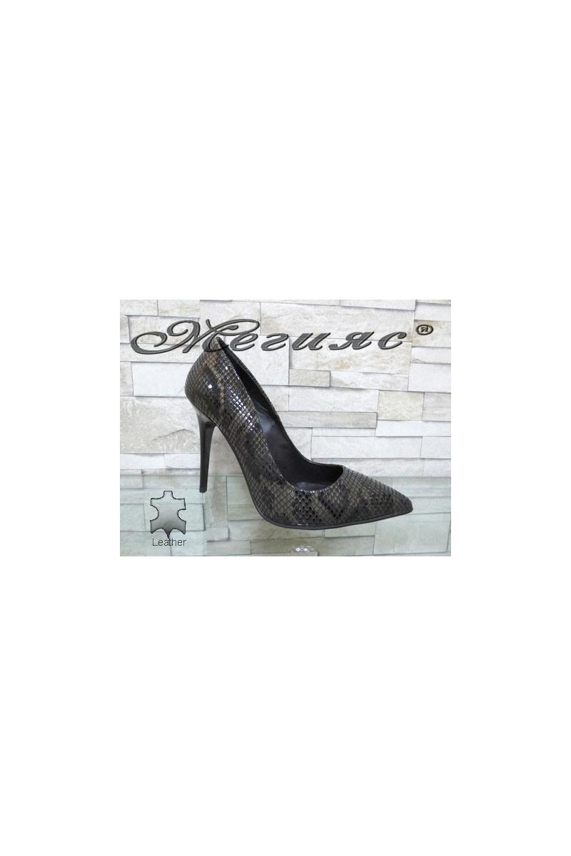 178-48 Дамски елегантни обувки кафяви със змийска шарка от естествена кожа