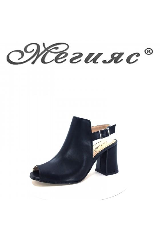 330 Дамски сандали черна еко кожа на висок ток