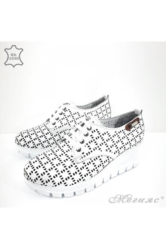 Дамски обувки на платформа естествена кожа бели 928