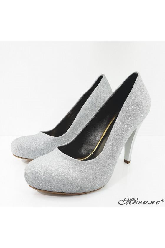 Дамски обувки на ток сребърни 218-1
