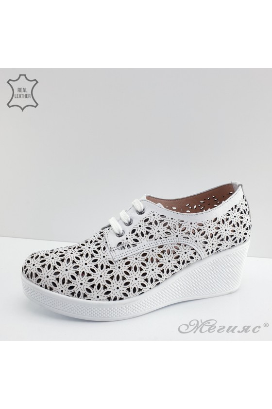 131 Lady sport shoes white leather