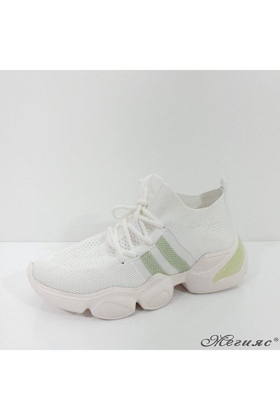 1033 Lady sports shoes white and green