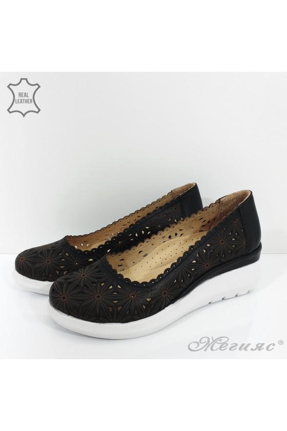Дамски обувки на платформа черни от естествена кожа 422-27