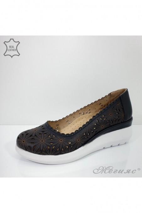 422-27 Дамски обувки черни от естествена кожа