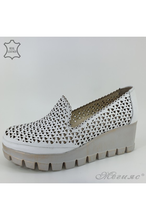 955/10 Lady shoes white...