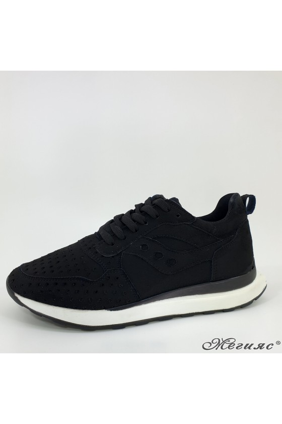 104 Дамски спортни обувки черен набук