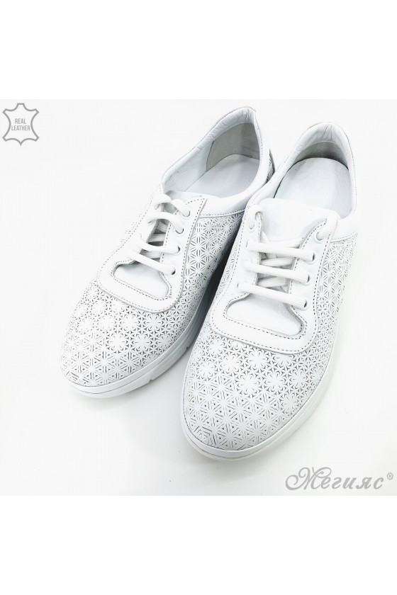 07 Lady sport shoes white leather
