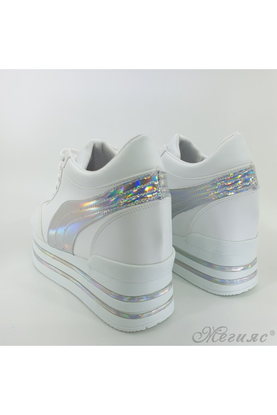 2389 Lady sports shoes white pu