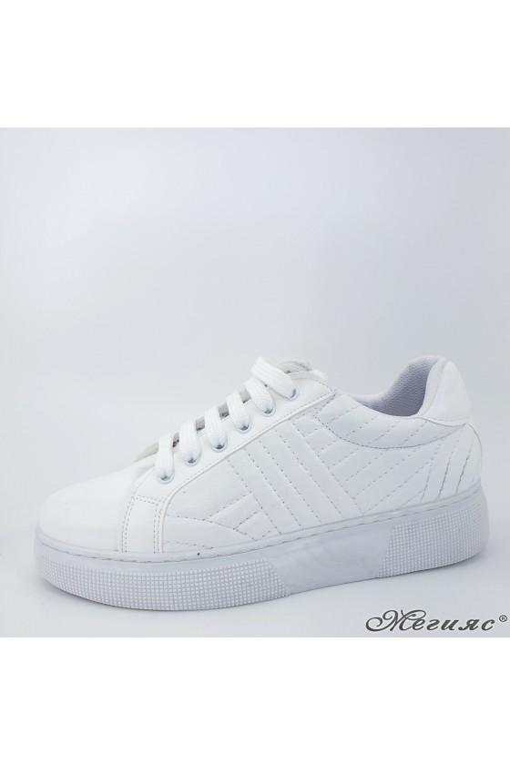 3137 Дамски спортни обувки бели еко кожа