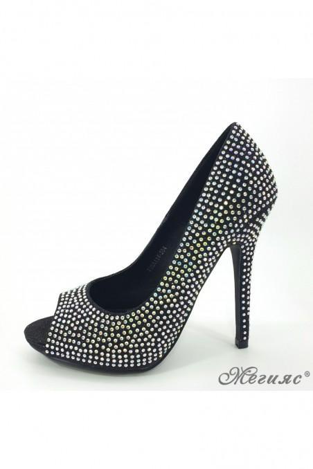 Дамски обувки черни с камъни 114-304