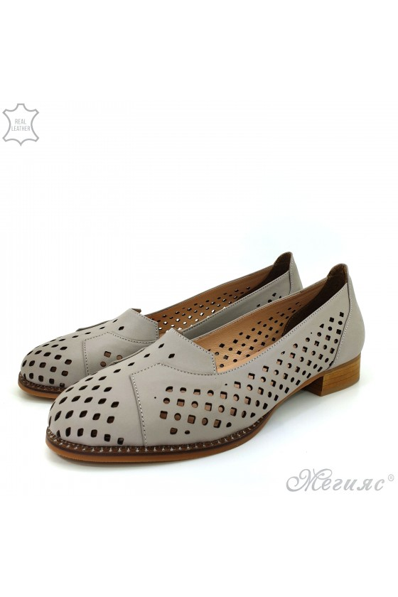 210/19 Lady shoes beige leather