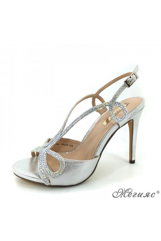Дамски сандали сребристи елегантни на висок ток 18s20-128
