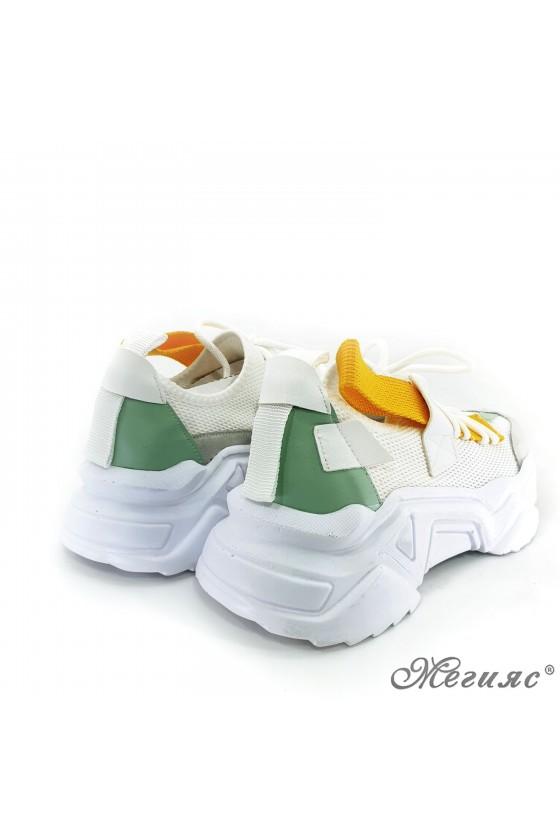 Дамски обувки спортни бяло с жълто и зелено 3535