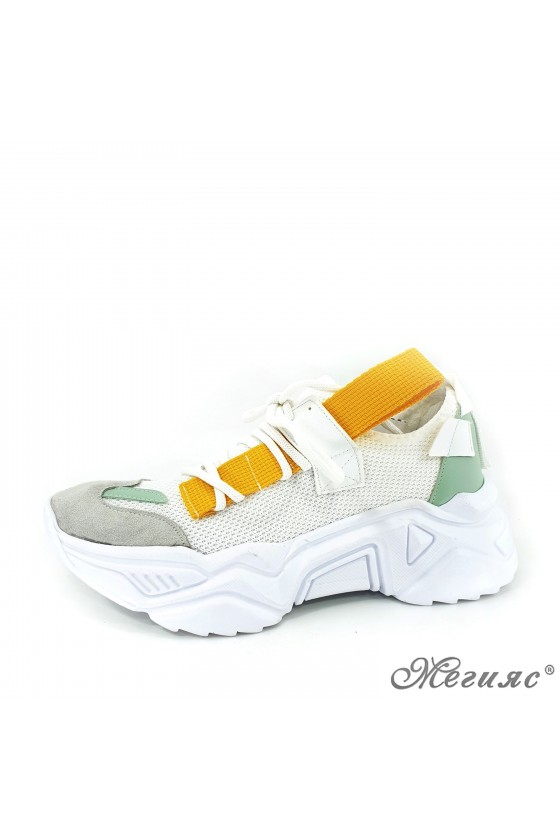 3535 Дамски обувки спортни бяло с жълто и зелено текстил