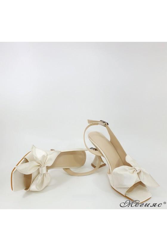 Дамски сандали на  ток шампанско  6298