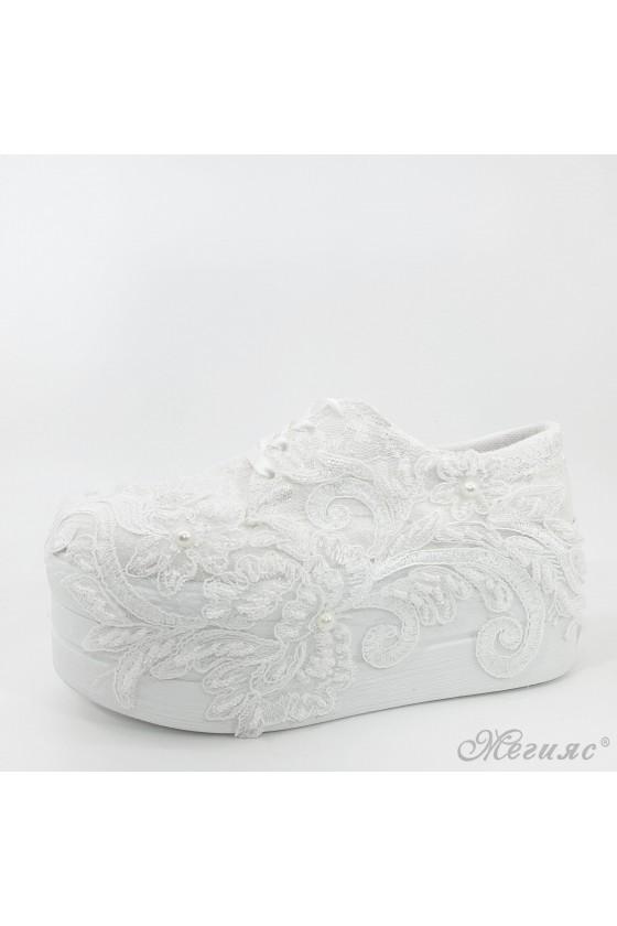Дамски обувки на платформа бели 710-16